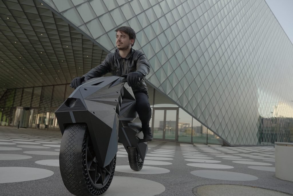 ビッグレップの関連会社が3Dプリンターで電気モーターバイクを製造