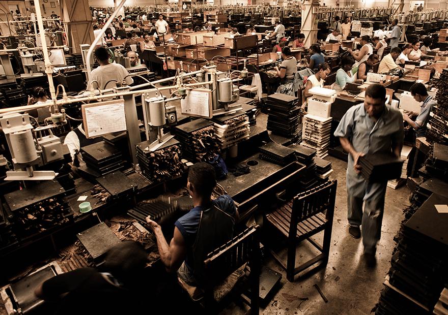アメリカ人の71%が製造業を「ハイテクキャリア」ではないと回答