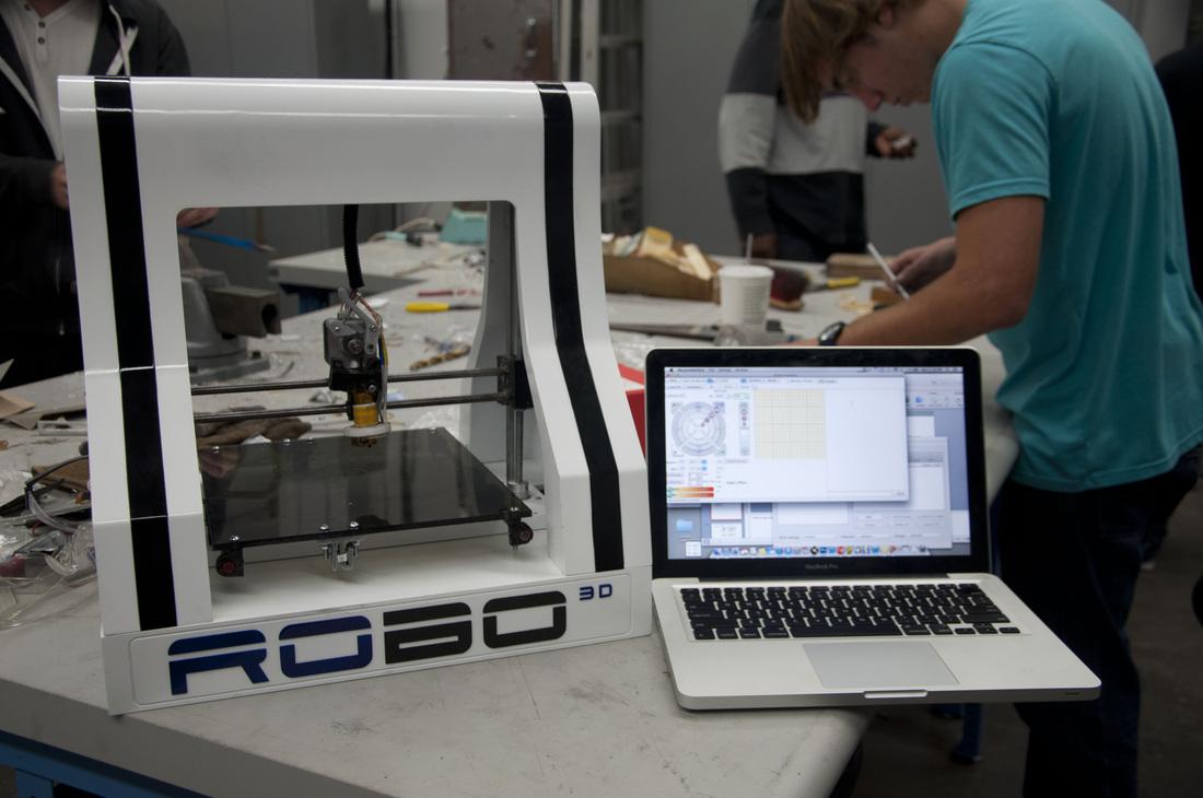 ロボ3D、フォックスコンと3Dプリンターの製造委託契約を締結