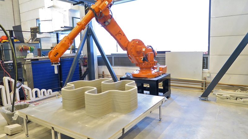 UAEのベンチャー企業が同国初の建設3Dプリンターの稼働に成功