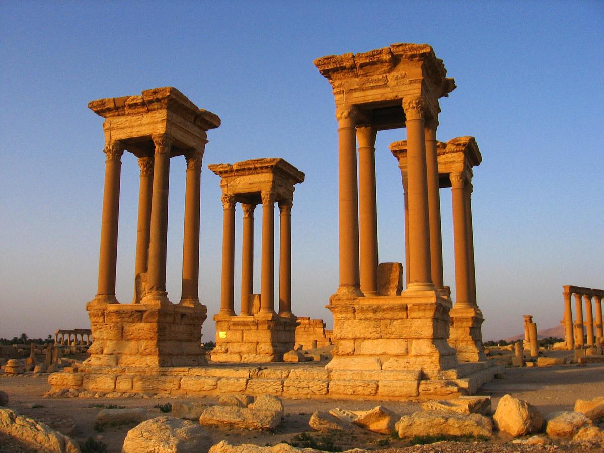 ISISが破壊したパルミラ遺跡のテトラピロンのレプリカを3Dプリンターで製造