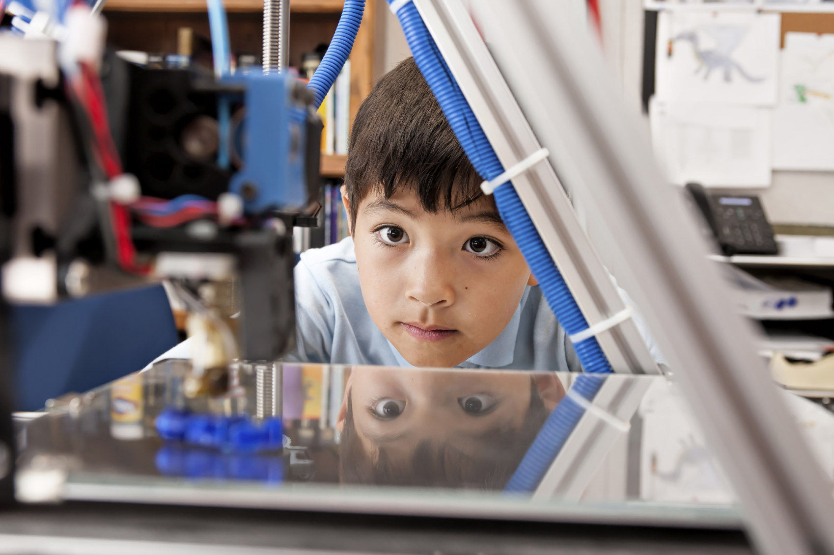 GEが400以上の小中学校に3Dプリンターを寄付