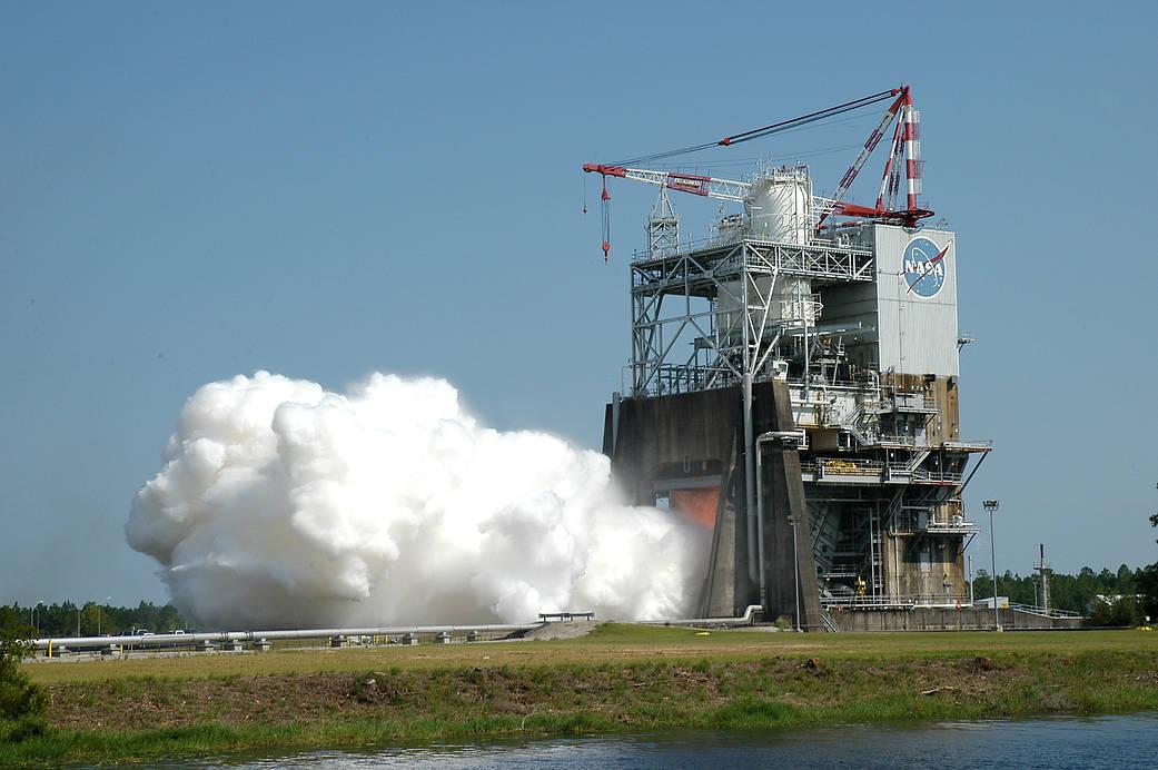 NASAが大型ロケットエンジンのコンポートを3Dプリンターで製造