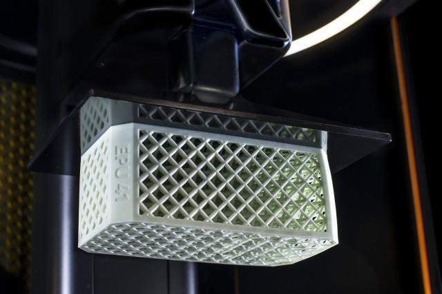 カーボンが二種類の3Dプリンター用新素材をリリース