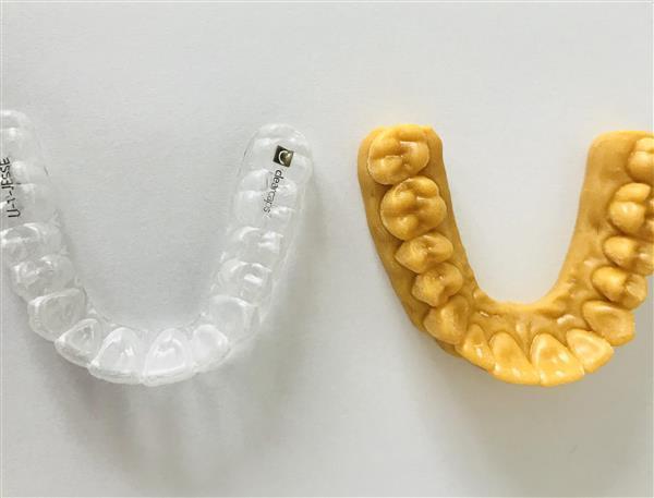 クリアーキャップスが24時間に250の歯科矯正用アライナーを製造