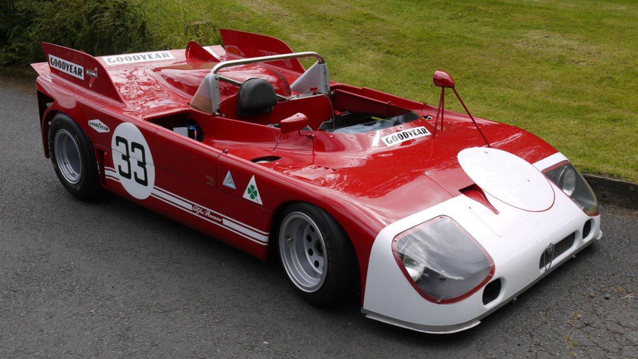 イギリスの企業がクラシックレースカーのエンジンカバーを3Dプリンターで製造