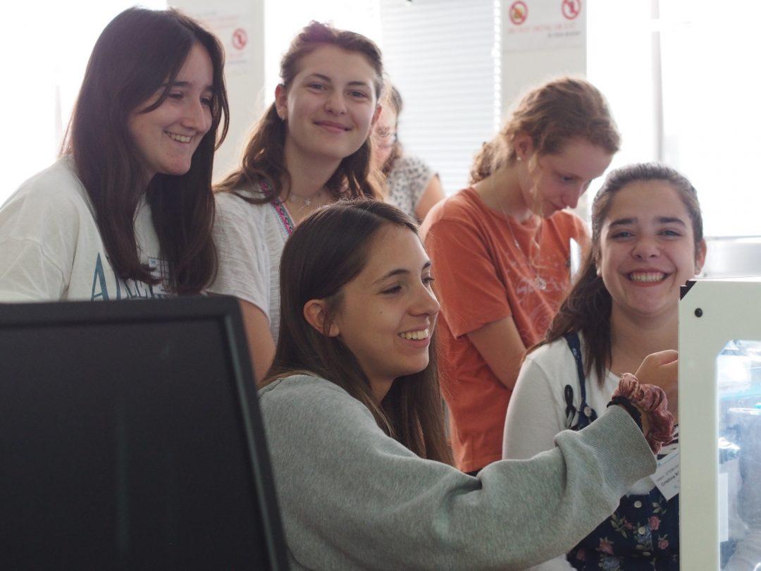 ハンブルグ工科大学が女子生徒専用のSTEM教育キャンプを開催