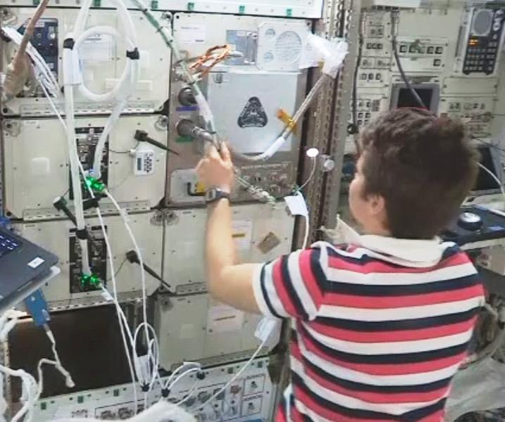ISS国際宇宙ステーションのリサイクル3Dプリンティングシステムが稼働開始