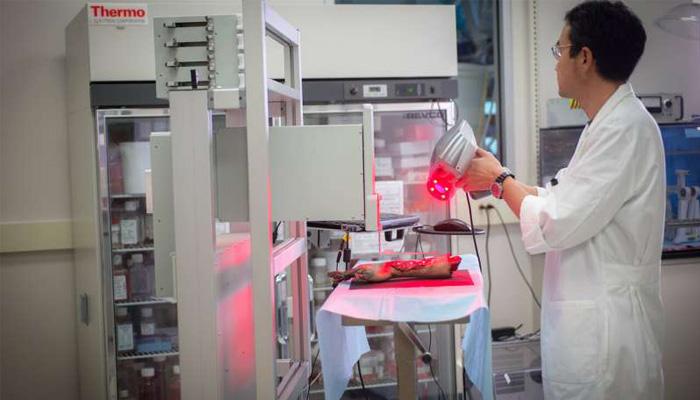 アメリカの研究チームがヒトの皮膚細胞を人体に直接プリントするバイオ3Dプリンターを開発