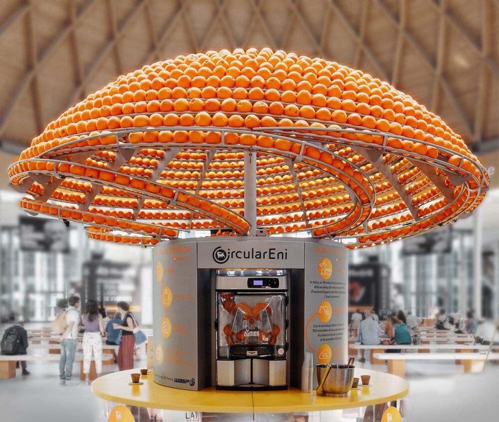 イタリアのデザインスタジオが3Dプリント・オレンジジュースバーを開発