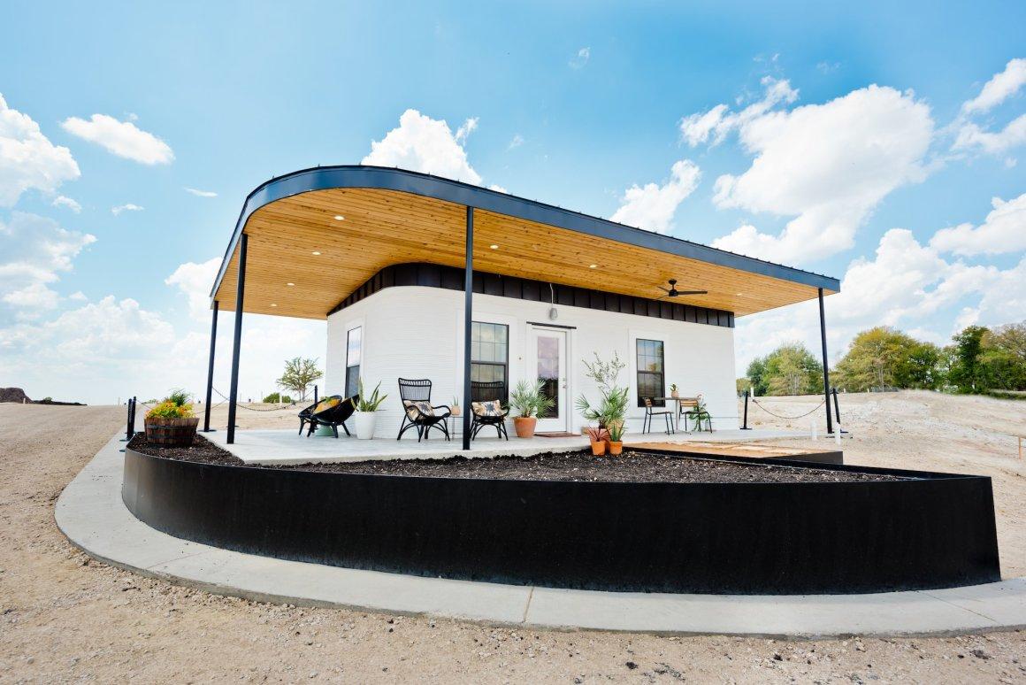テキサスのボランティア団体がホームレス用3Dプリント住宅を建設
