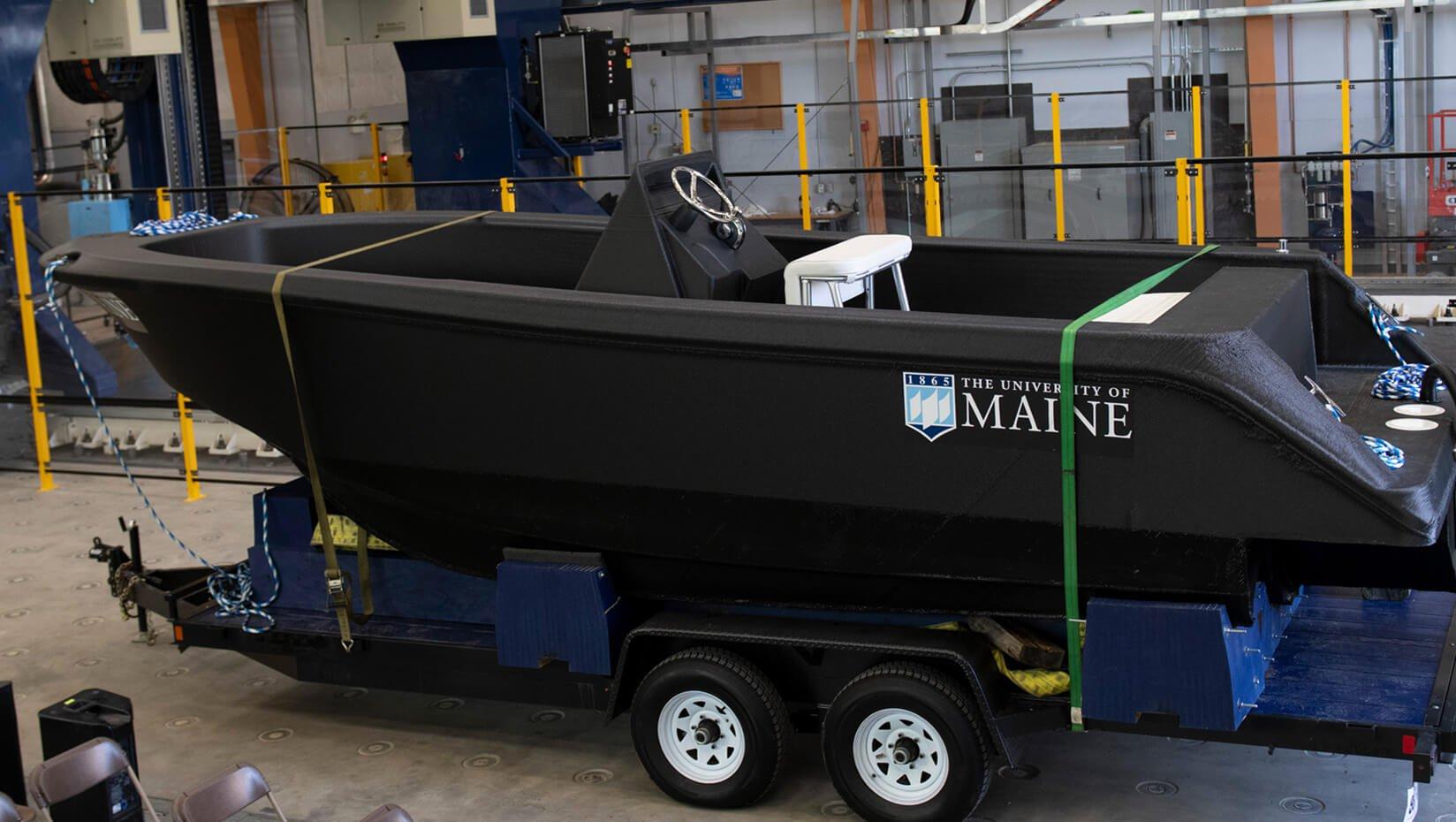 メイン大学が世界最大の3Dプリントボートを製造