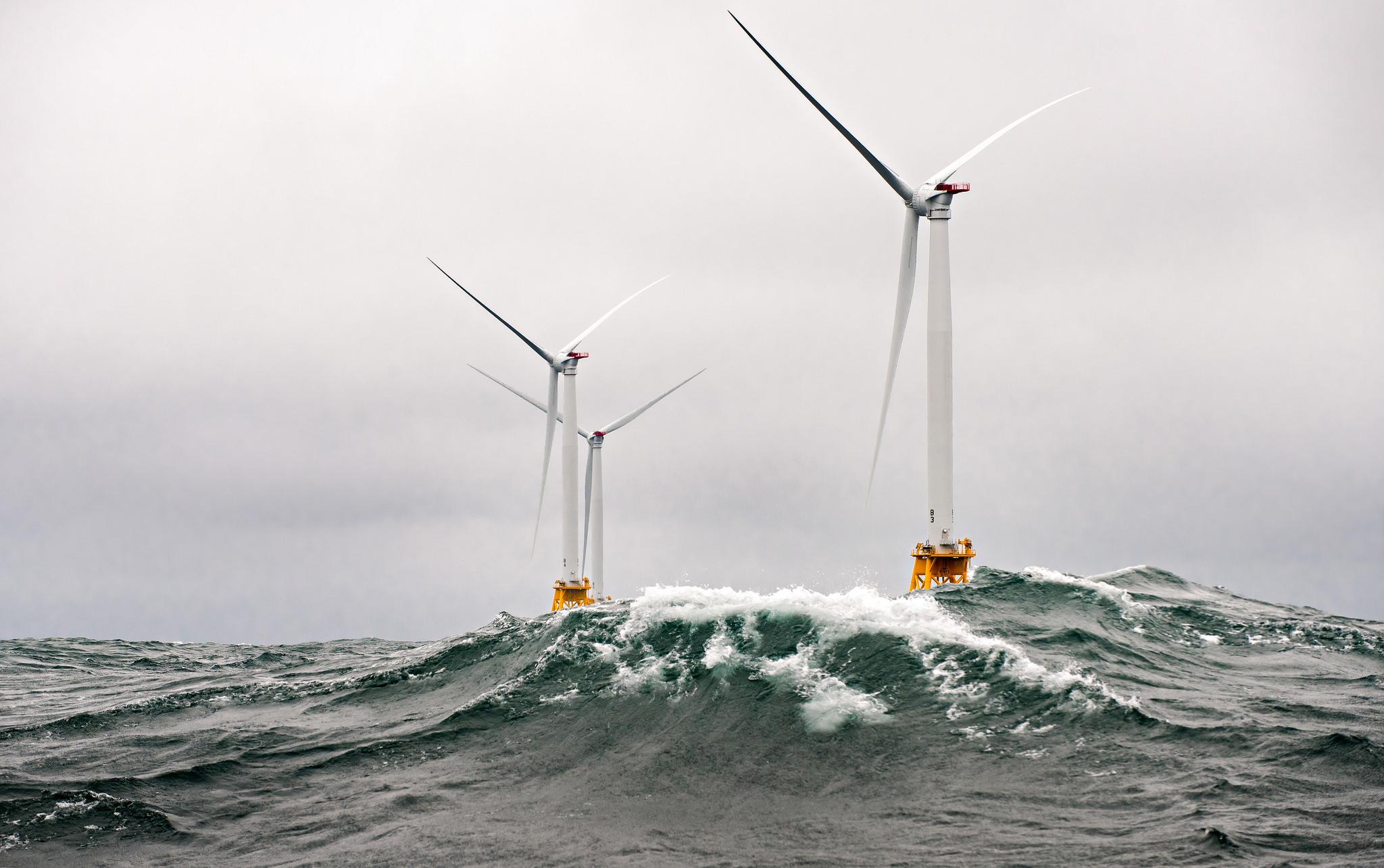 RCAMテクノロジーズとアキュコードが共同で海上風力発電機を製造