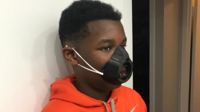 米バージニア州の13歳の少年が3Dプリンターでフェイスマスクを製造