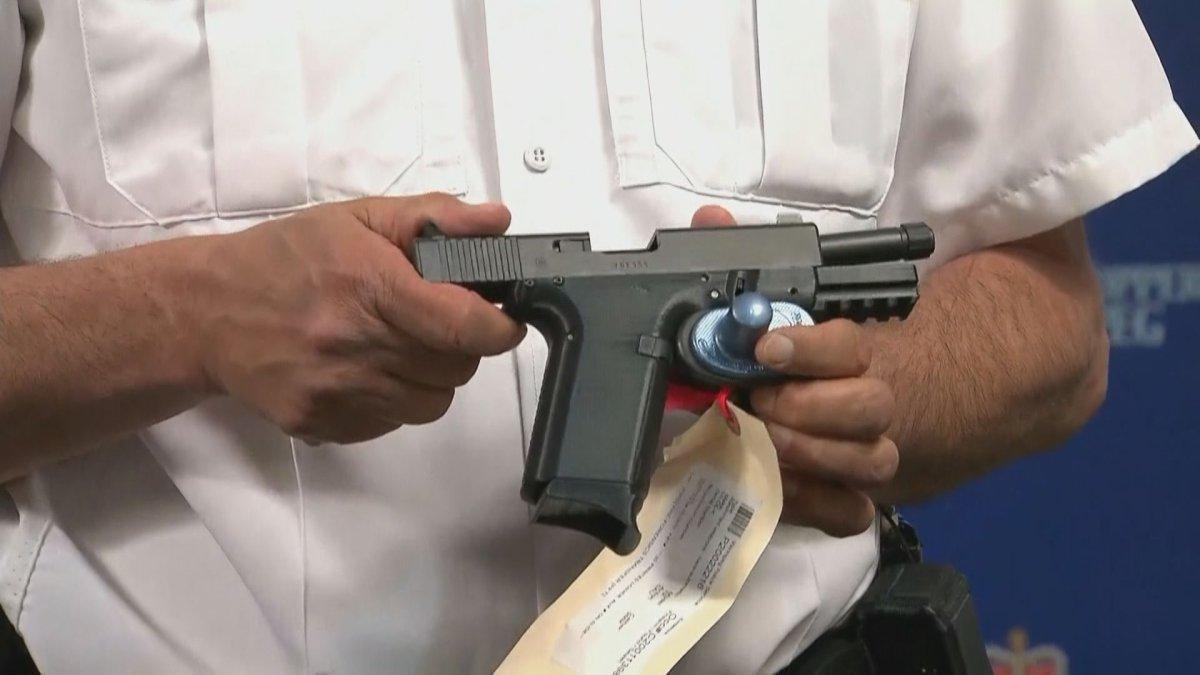 カナダのウィニペグ市で初めて3Dプリンター銃が押収