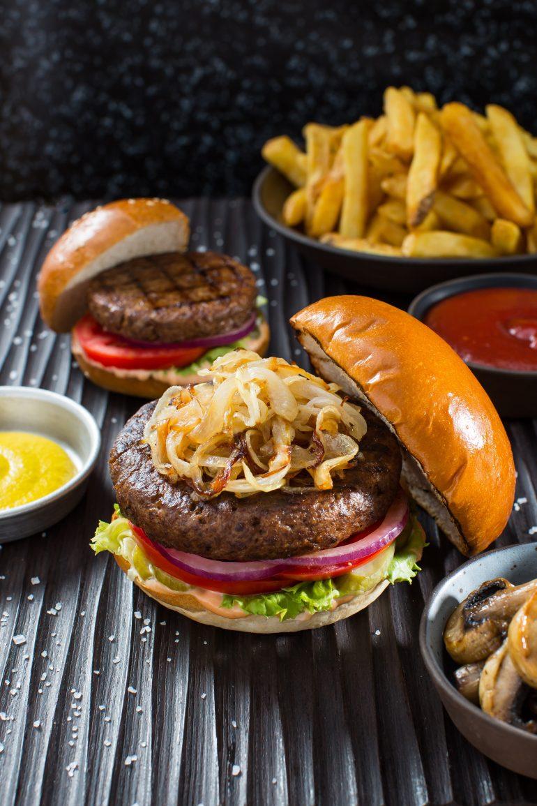 イスラエルの代替肉製造ベンチャー企業が株式を公開