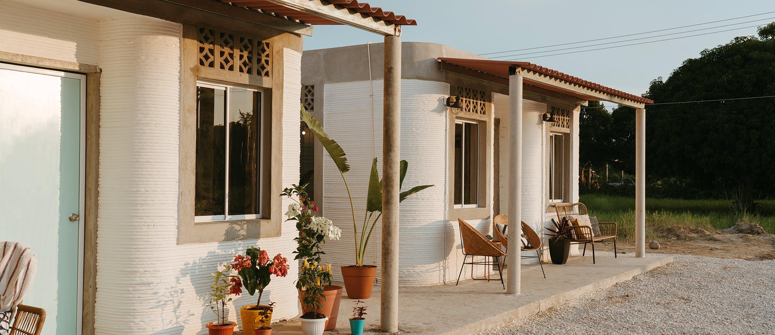 ICONがメキシコで低所得者用3Dプリント住宅を建設